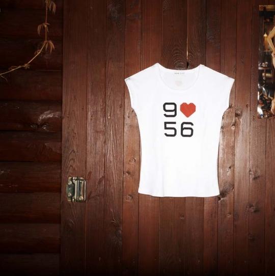 Dámské triko s potiskem 9 miluje 56.